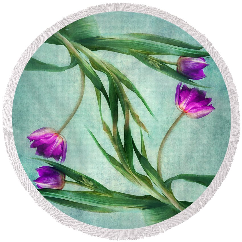 Tulips Round Beach Towel featuring the photograph Twins by Claudia Moeckel