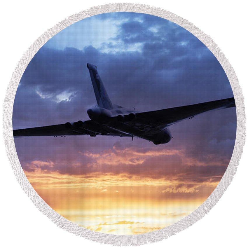 Avro Vulcan Bomber Round Beach Towel featuring the digital art Vulcan Sunset by J Biggadike