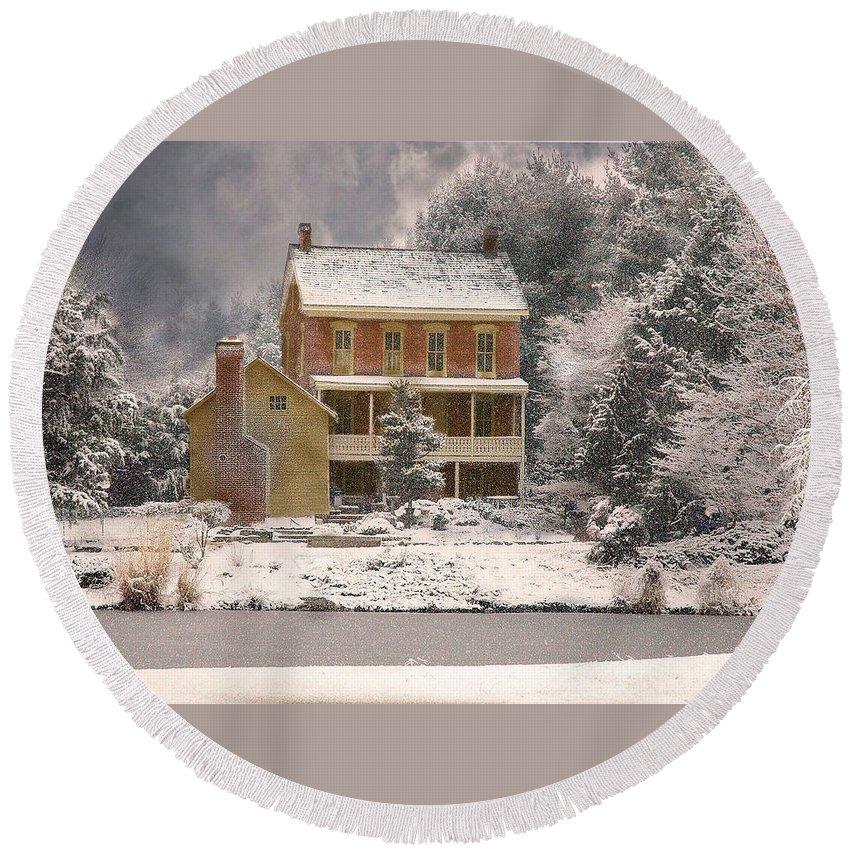 Farm Round Beach Towel featuring the photograph Winter Farm House by Fran J Scott