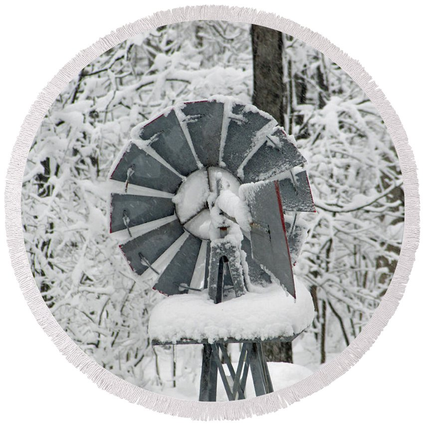 Scene Round Beach Towel featuring the photograph Winter Wind by Jamie Smith