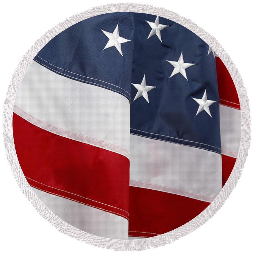 American Flag Round Beach Towel featuring the photograph American Flag by Les Cunliffe