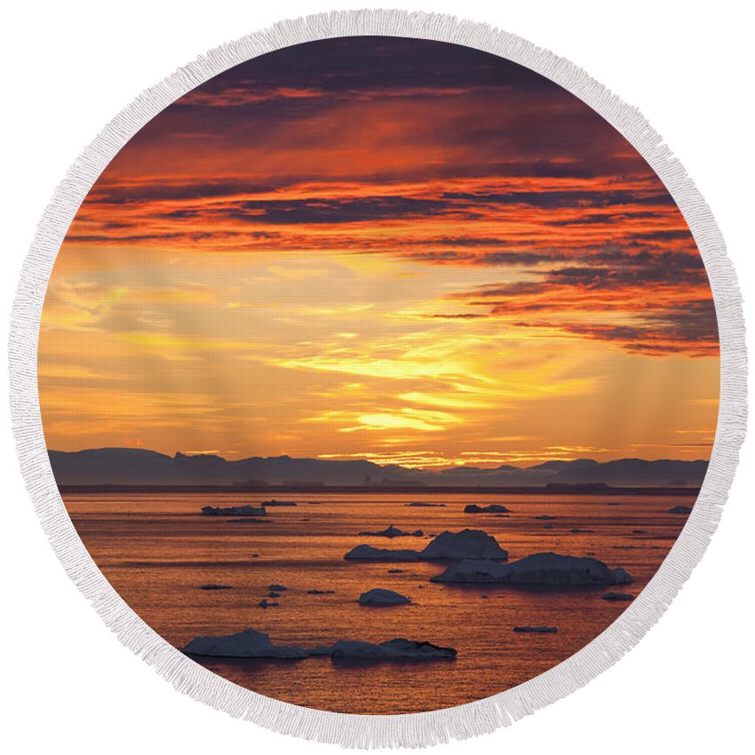 Iceberg Round Beach Towel featuring the photograph 110307p086 by Arterra Picture Library