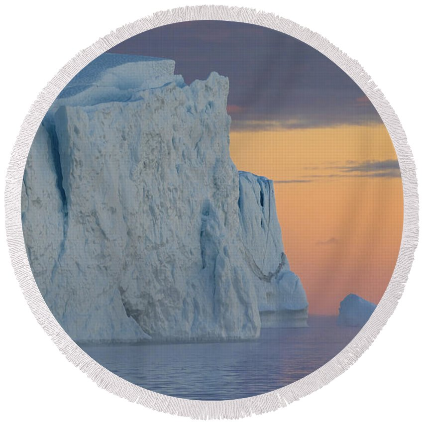 Iceberg Round Beach Towel featuring the photograph 110613p175 by Arterra Picture Library