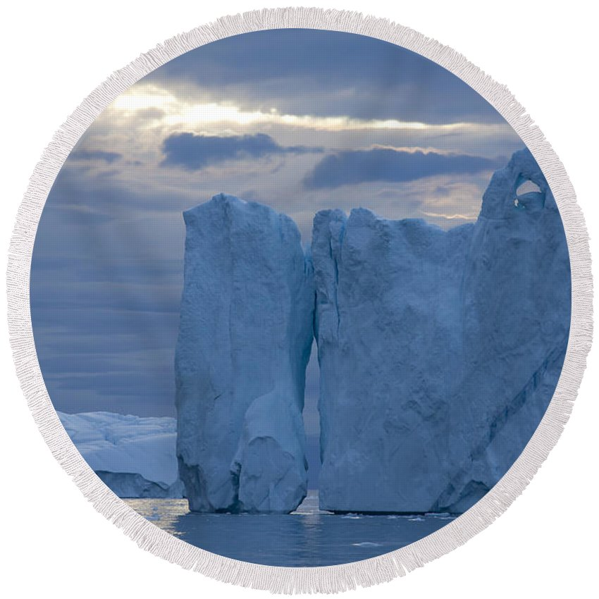 Iceberg Round Beach Towel featuring the photograph 110613p179 by Arterra Picture Library