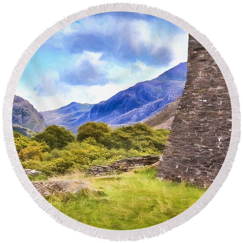 Sun Round Beach Towel featuring the painting Welsh Mountains by Shaun Wilkinson