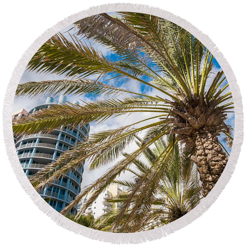 Architecture Round Beach Towel featuring the photograph Miami Beach by Raul Rodriguez