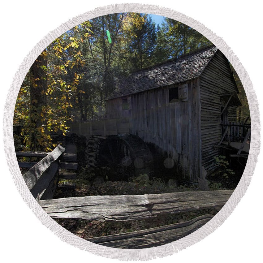 Cable Mill Round Beach Towel featuring the photograph 1868 Cable Mill At Cades Cove Tennessee by Kathy Clark