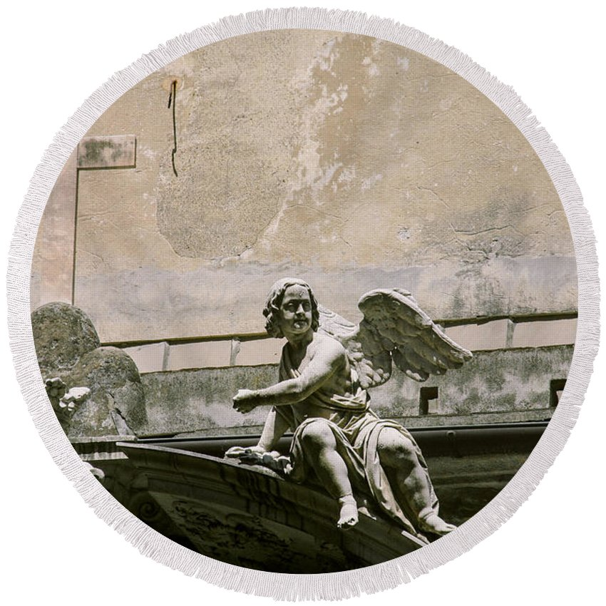Italy Round Beach Towel featuring the photograph Angel by A Rey
