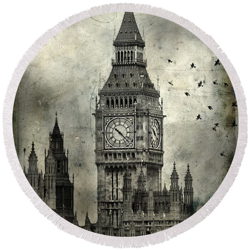 Big Ben Round Beach Towel featuring the photograph Big Ben by Jill Battaglia