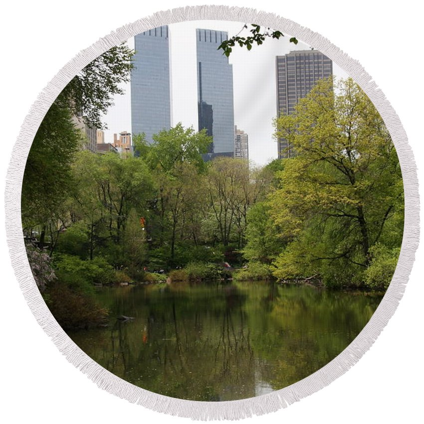 Central Park Round Beach Towel featuring the photograph Central Park Pond by Christiane Schulze Art And Photography