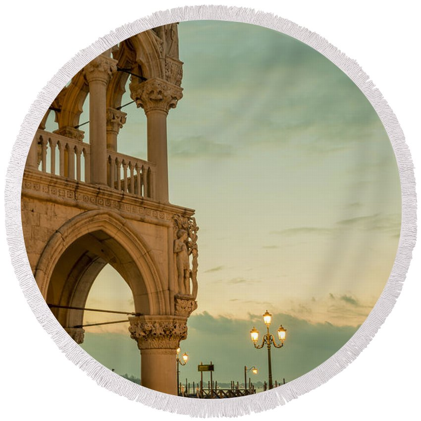 Ducale Round Beach Towel featuring the photograph Doge's Palace by Mats Silvan