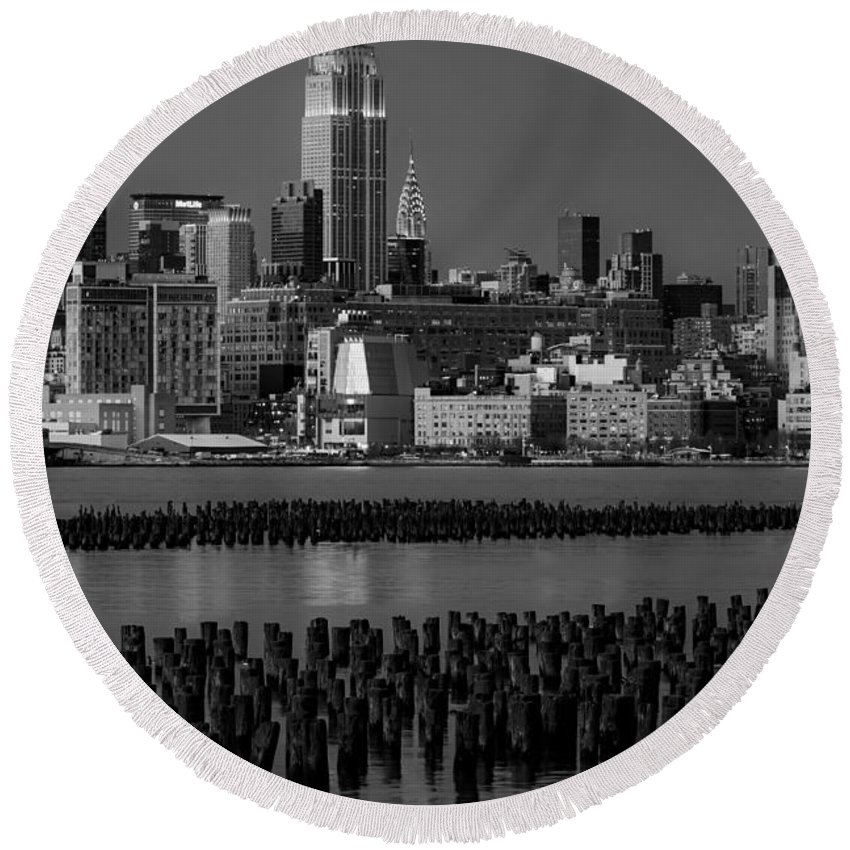 Esb Round Beach Towel featuring the photograph Empire State Building Dressed Up In Pastels by Susan Candelario