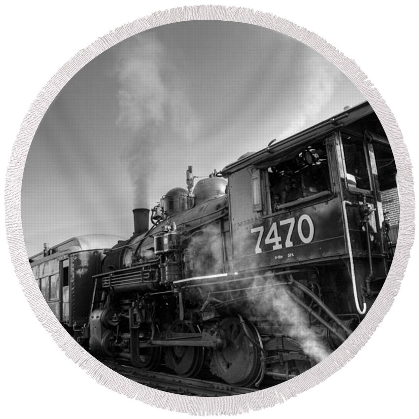 Train Photographs Round Beach Towel featuring the photograph Locomotive 7470 by John Clark