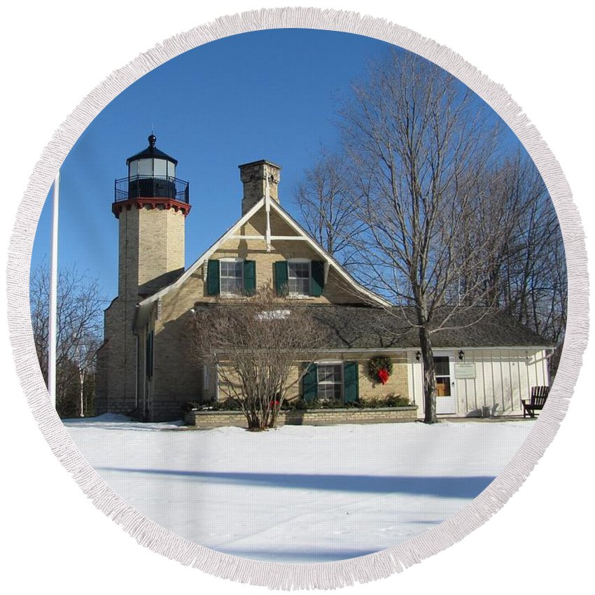 Winter Round Beach Towel featuring the photograph Mcgulpin Point Lighthouse In Winter by Keith Stokes