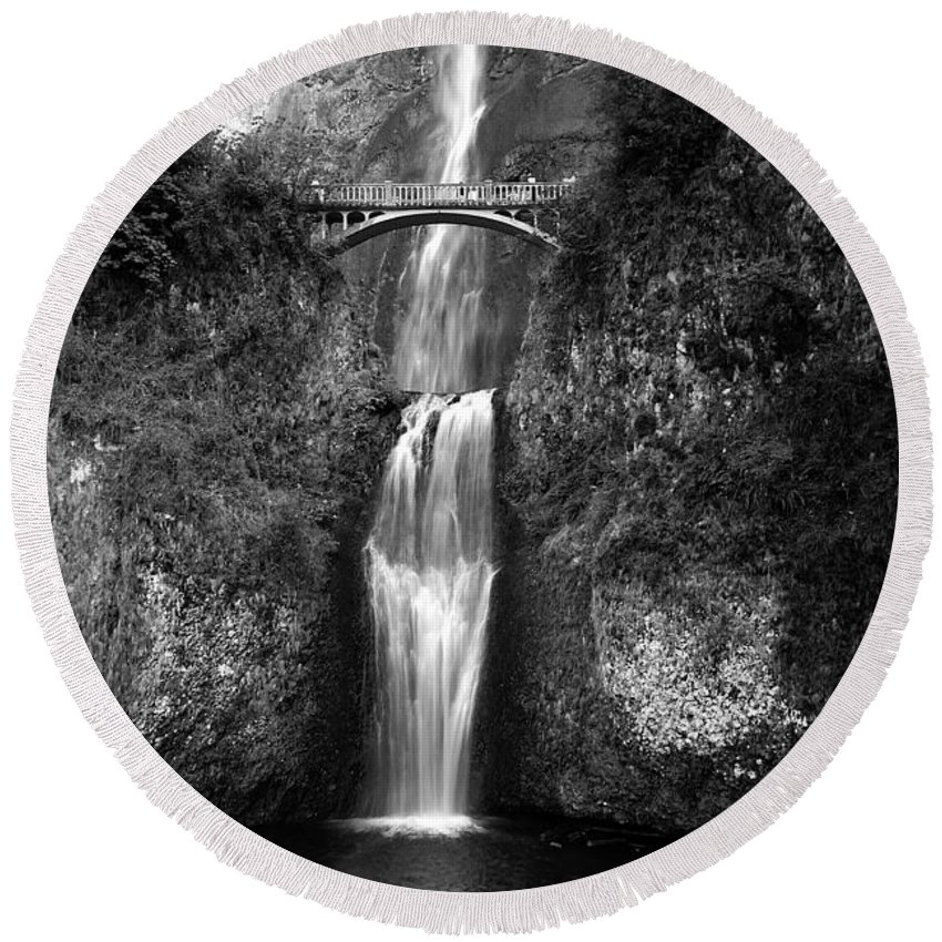 Waterfalls Round Beach Towel featuring the photograph Multnomah Falls by Peter Tellone