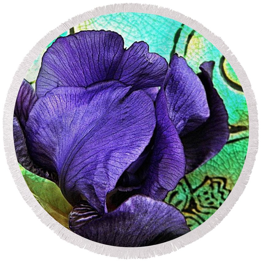 Nature Round Beach Towel featuring the photograph Purple Perfume by Chris Berry