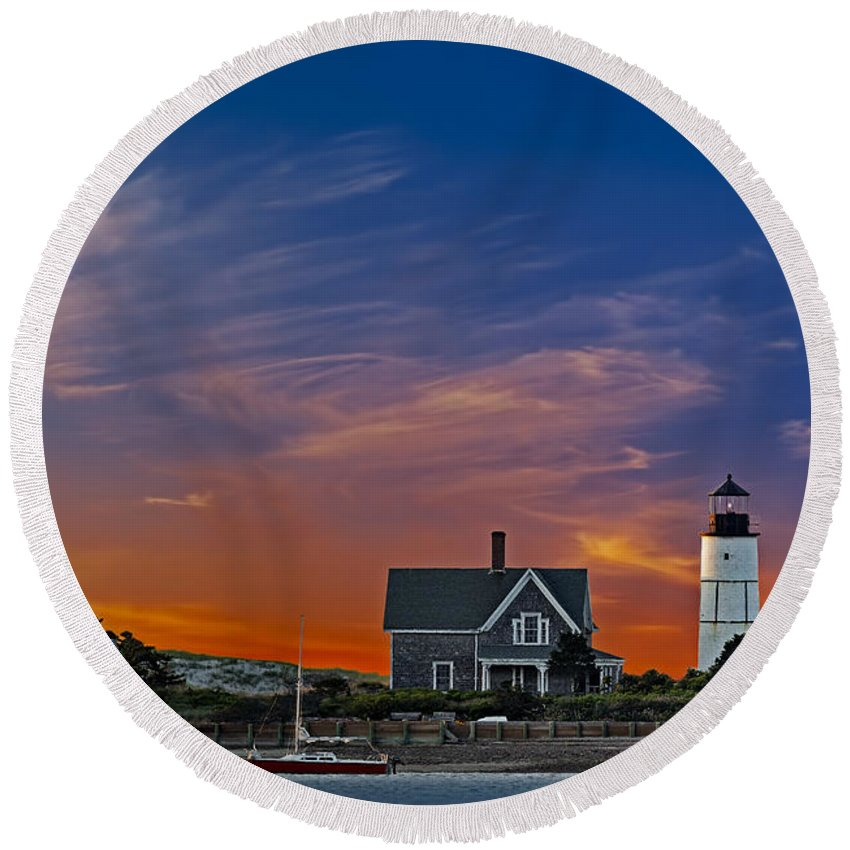 Cape Cod Round Beach Towel featuring the photograph Sandy Neck Lighthouse by Susan Candelario