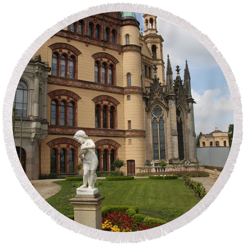 Schwerin Round Beach Towel featuring the photograph Schwerin - Palace - Germany by Christiane Schulze Art And Photography
