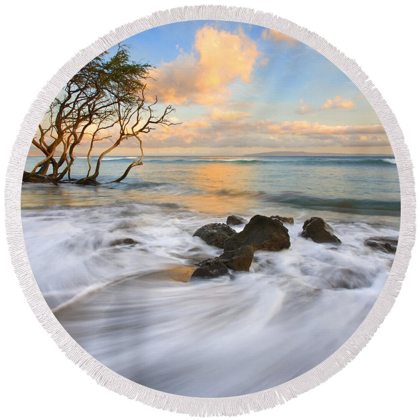 Hawaii Round Beach Towel featuring the photograph Sunset Tides by Mike Dawson