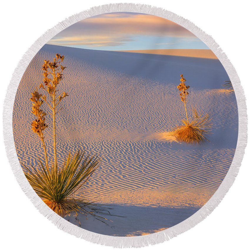 Nature Round Beach Towel featuring the photograph White Sands National Monument by Henk Meijer Photography