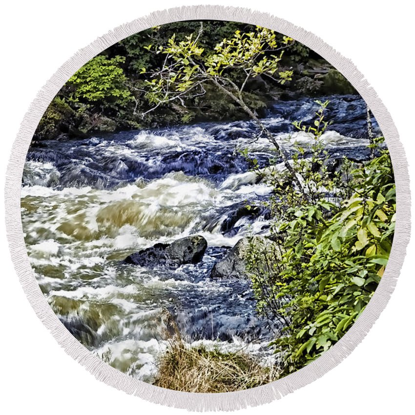 Yellowstone National Park Round Beach Towel featuring the photograph Yellowstone River by Jon Berghoff