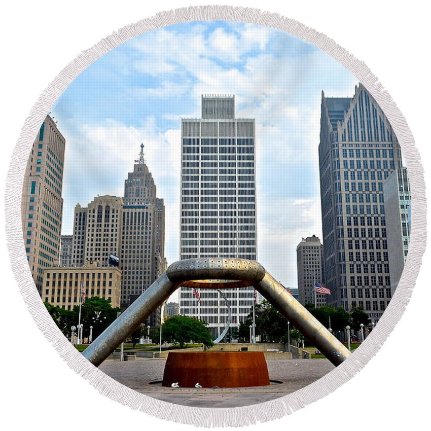 Hart Round Beach Towel featuring the photograph Hart Plaza Detroit by Frozen in Time Fine Art Photography