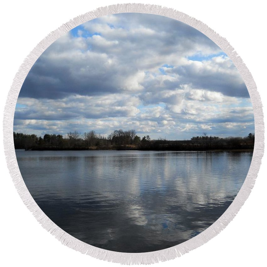 Round Beach Towel featuring the photograph Mansfield Hollow Lake by Wolfgang Schweizer