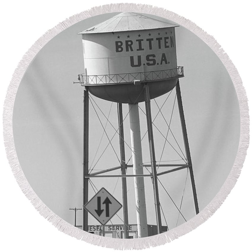66 Round Beach Towel featuring the photograph Route 66 - Leaning Water Tower by Frank Romeo