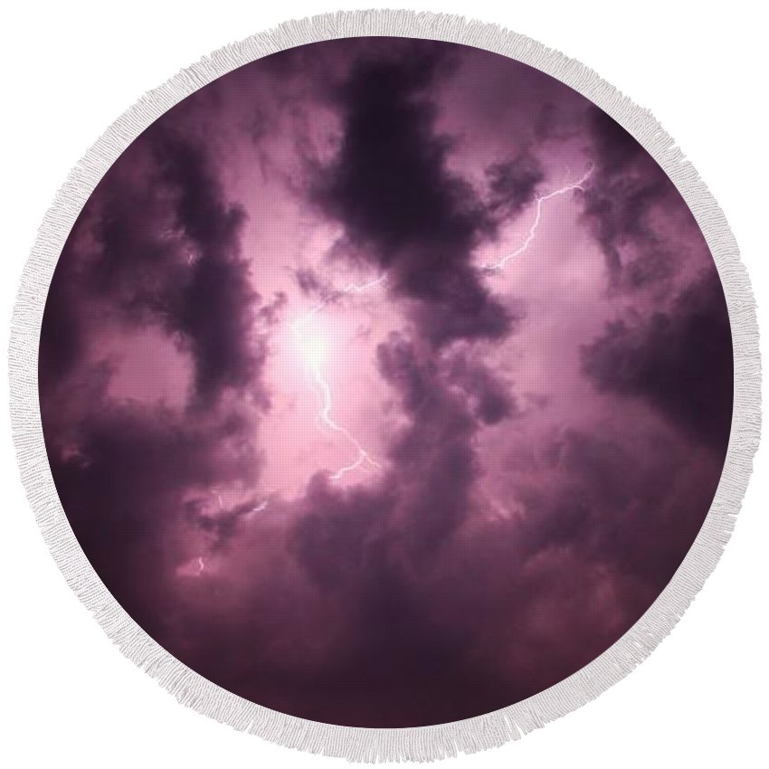 Stormscape Round Beach Towel featuring the photograph Small But Eruptive Cell North Of Kearney by NebraskaSC