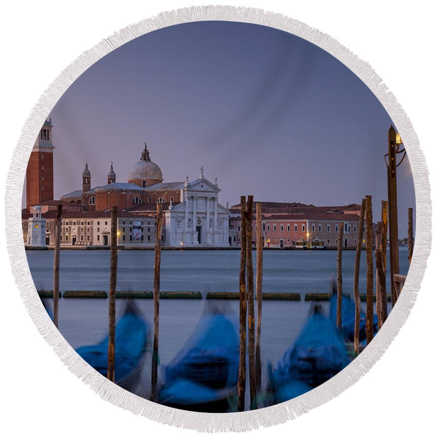 Attraction Round Beach Towel featuring the photograph Venice Morning by Brian Jannsen