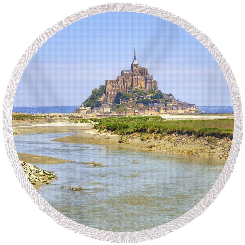Le Mont-saint-michel Round Beach Towel featuring the photograph Mont Saint-michel - Normandy by Joana Kruse