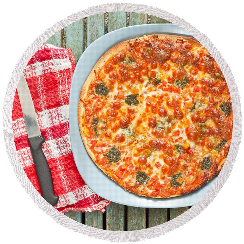 Background Round Beach Towel featuring the photograph Pizza by Tom Gowanlock