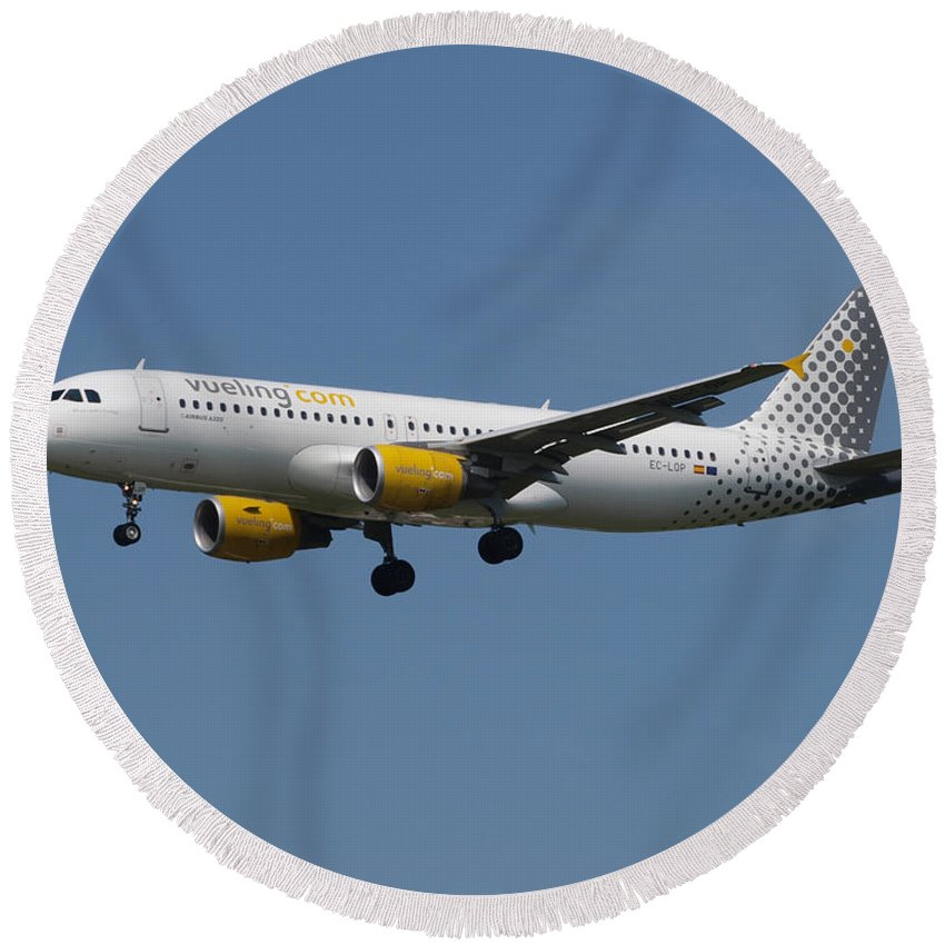 737 Round Beach Towel featuring the photograph Vueling Airbus A320 by Paul Fearn