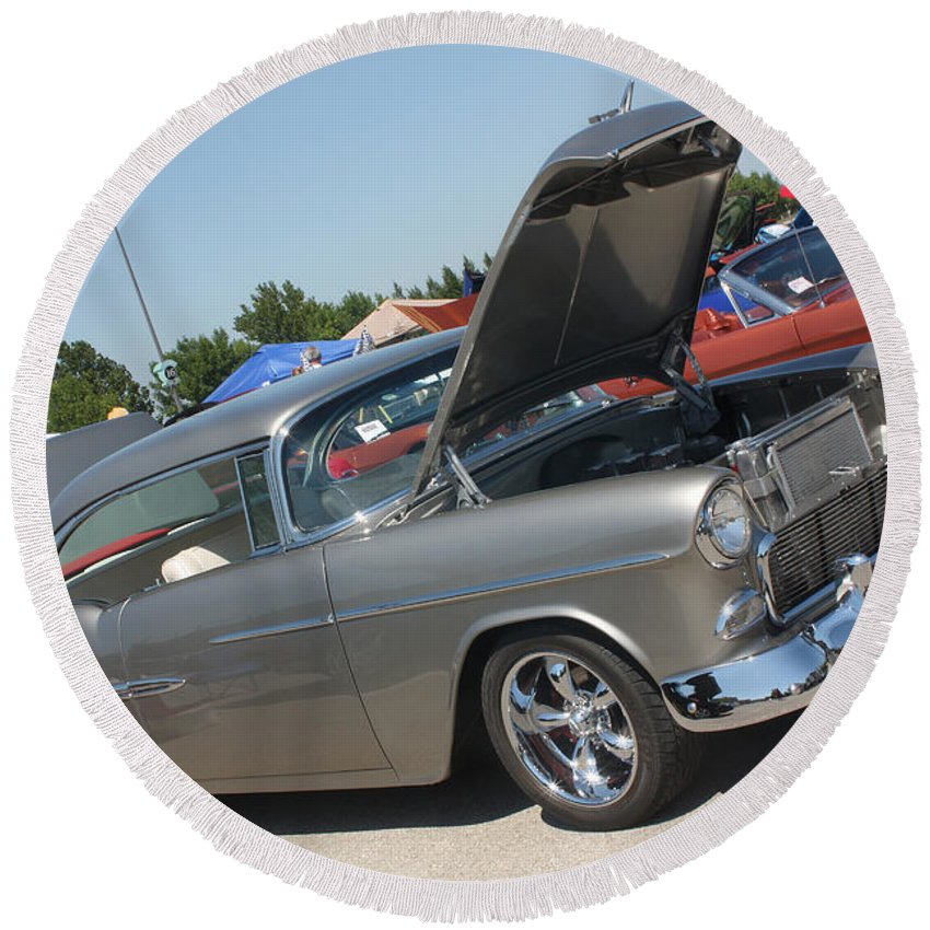 1955 Chevrolet Bel Air Round Beach Towel featuring the photograph 55 Bel Air-8206 by Gary Gingrich Galleries