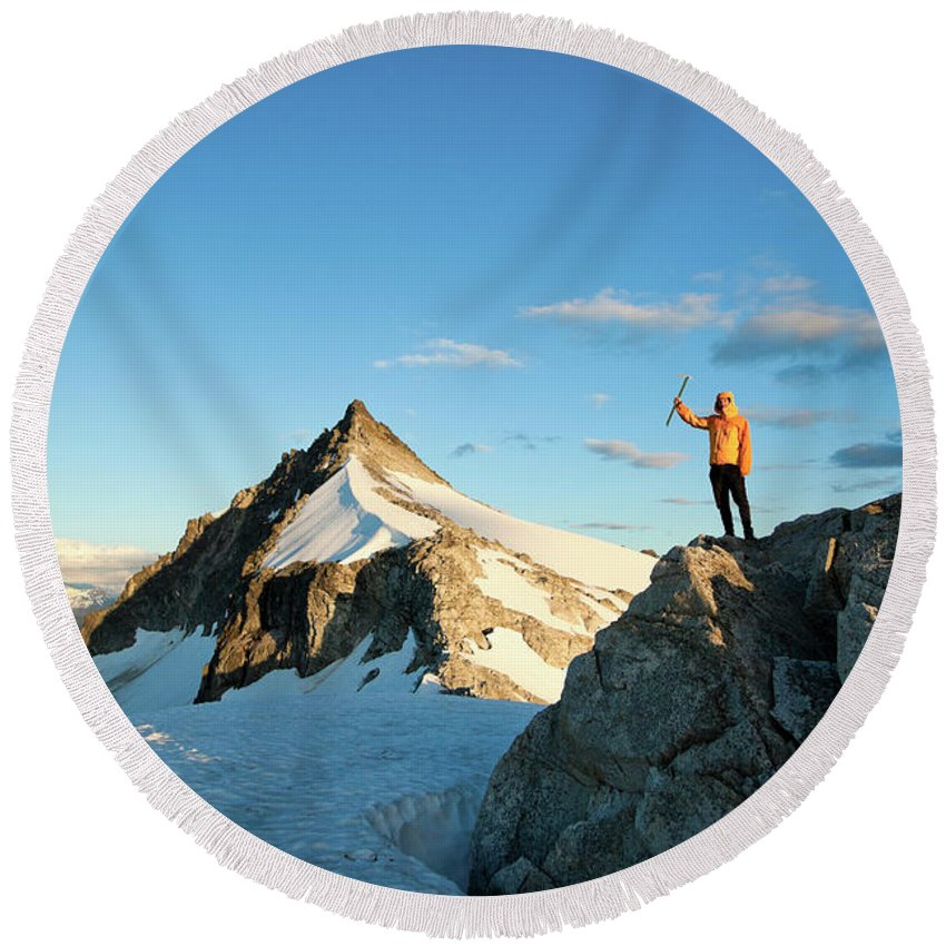 25-29 Years Round Beach Towel featuring the photograph Climbing Cypress Peak by Christopher Kimmel