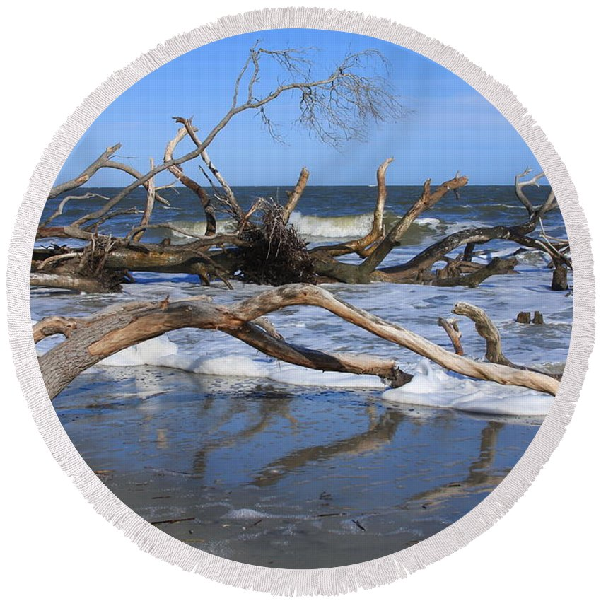 Hunting Island Round Beach Towel featuring the photograph Hunting Island by Mountains to the Sea Photo