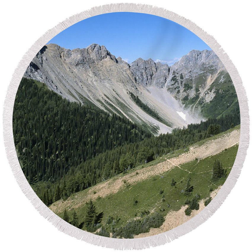 Americas Round Beach Towel featuring the photograph Kindersley Pass by Roderick Bley