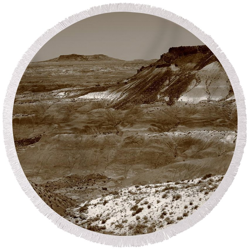 66 Round Beach Towel featuring the photograph Painted Desert by Frank Romeo