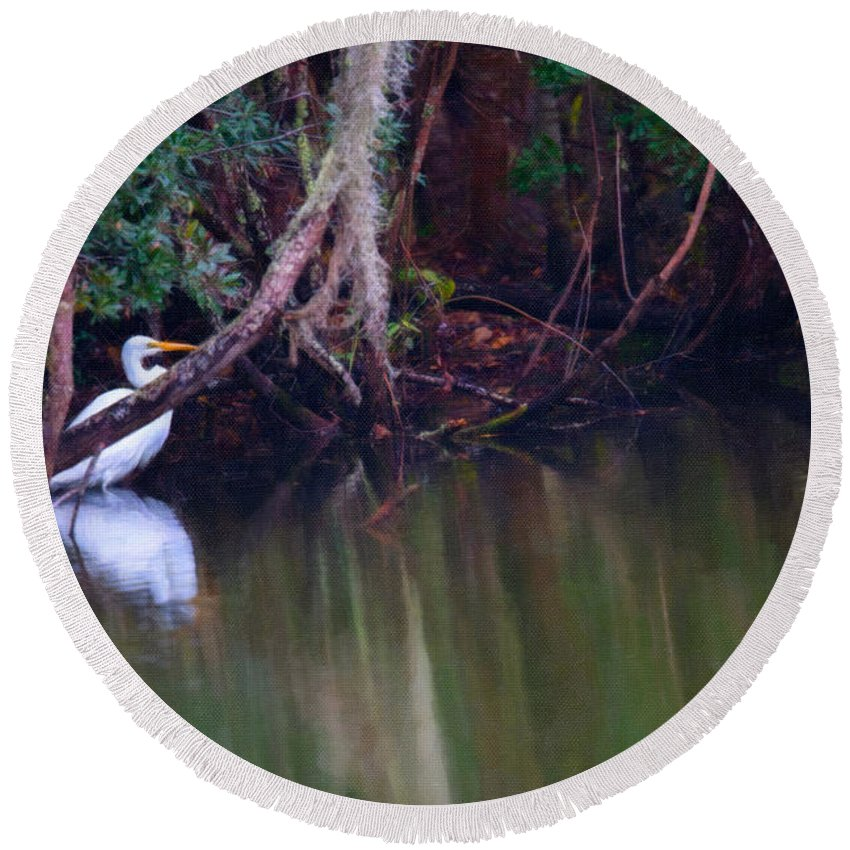White Heron Round Beach Towel featuring the digital art Great White Heron At Waters Edge by Dale Powell
