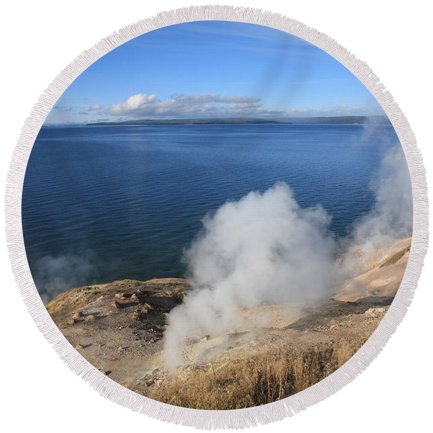 America Round Beach Towel featuring the photograph Yellowstone Lake And Geysers by Frank Romeo