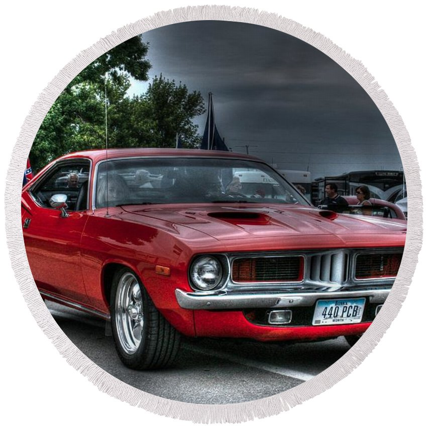 1972 Plymouth Cuda 440 Round Beach Towel featuring the photograph 72 Cuda by Tommy Anderson