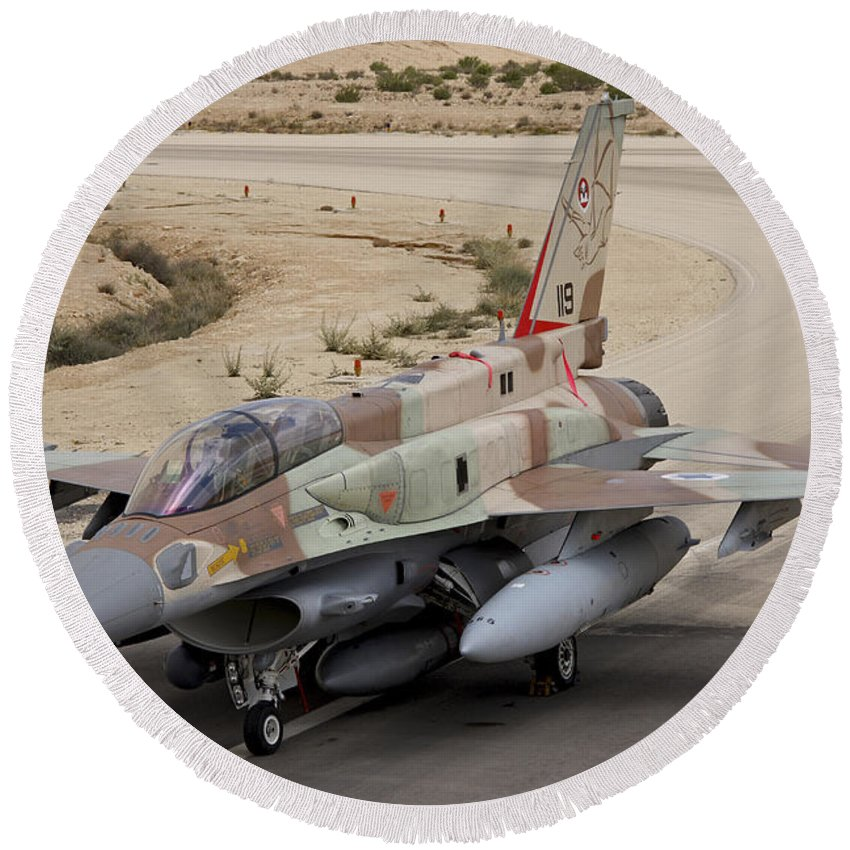 Transportation Round Beach Towel featuring the photograph An F-16i Sufa Of The Israeli Air Force by Ofer Zidon
