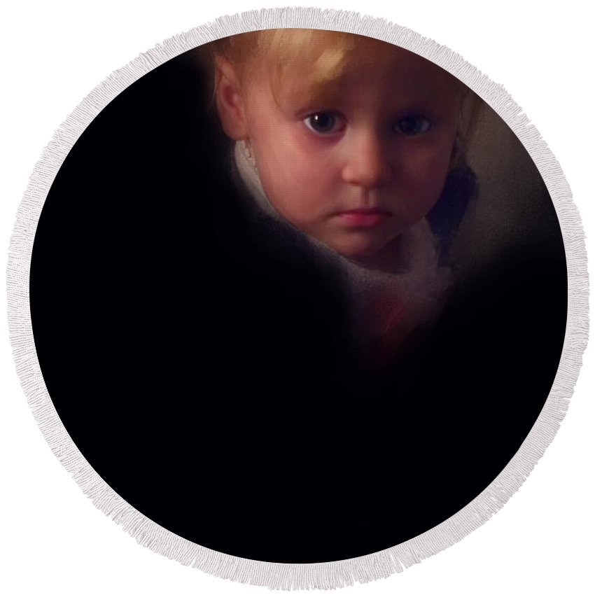 Child Round Beach Towel featuring the photograph A Child's Life by Ron Jones