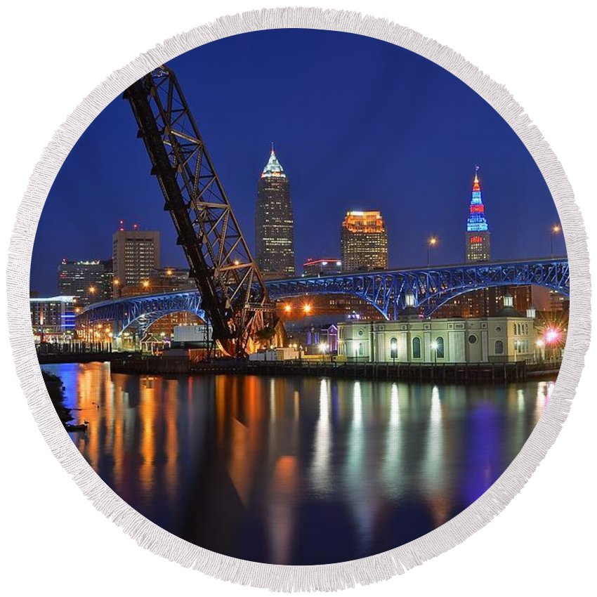 Cleveland Round Beach Towel featuring the photograph A Cleveland Ohio Evening On The River by Frozen in Time Fine Art Photography