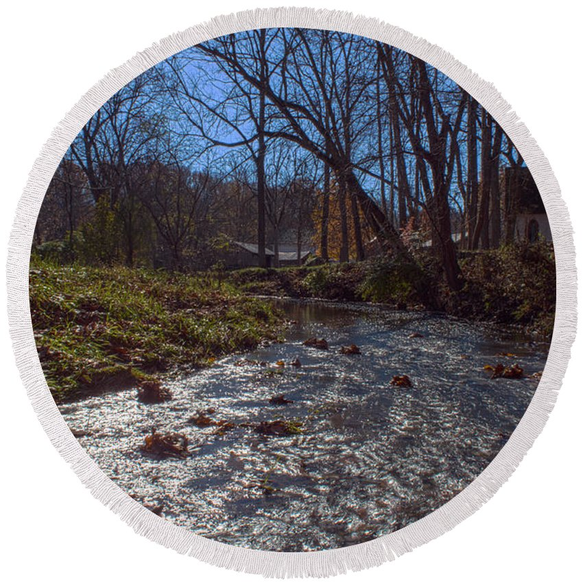 Parke Co Indiana Photographs Round Beach Towel featuring the photograph A Creek Runs Though It by Thomas Sellberg