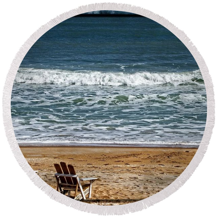 Beach Round Beach Towel featuring the photograph A Day At The Beach by Alice Gipson