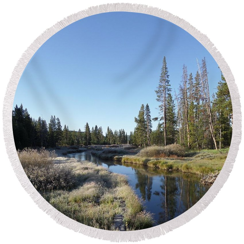 Blue Round Beach Towel featuring the photograph A Frosty Morning Along Obsidian Creek by Frank Madia