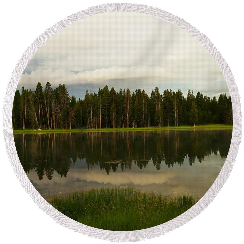Woods Round Beach Towel featuring the photograph A Lovely Reflection by Jeff Swan