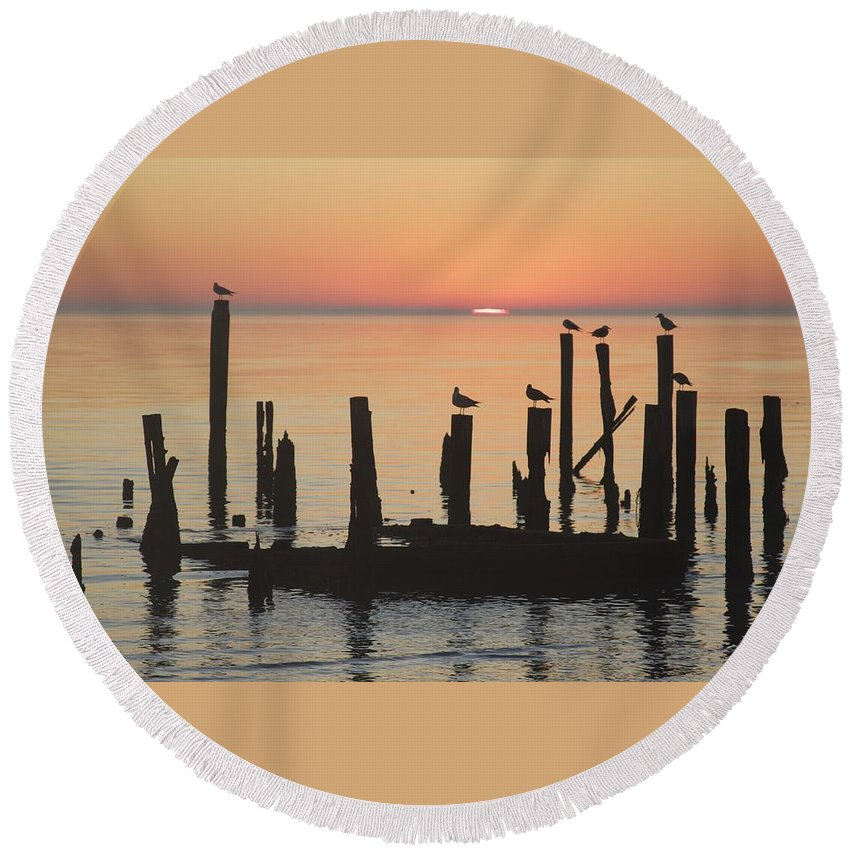 Sunrise Round Beach Towel featuring the photograph A New Day by Lisa Comperry