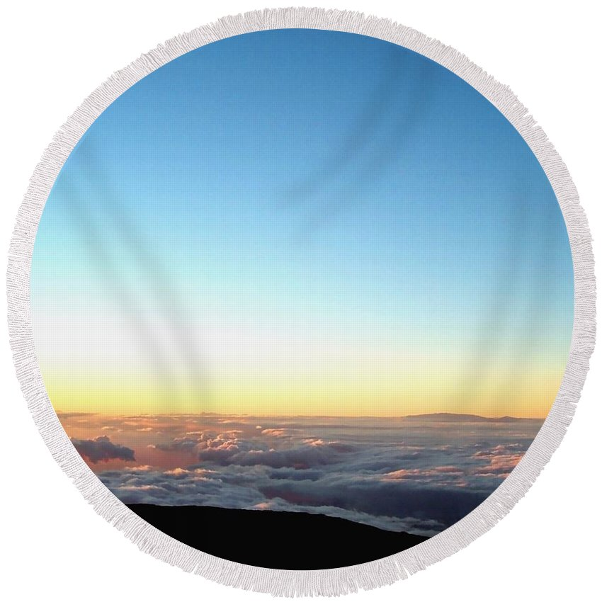 Sunset Round Beach Towel featuring the photograph A River In The Clouds by Amy McDaniel